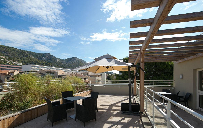 fidexi-location-meublee-toulon-les-pleiades-terrasse